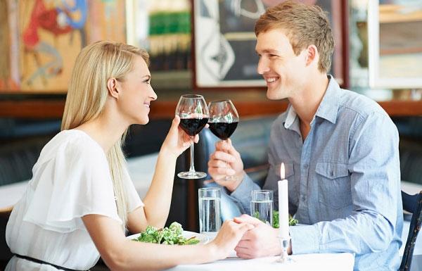 Những cuộc hẹn hò sẽ giúp hai bạn hâm nóng tình yêu của mình