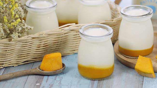 Góc cảnh báo: Sữa chua làm theo cách này không dành cho người muốn giảm cân, chỉ hợp với những chị em muốn ăn ngon mà không quan tâm cân nặng thôi! - Ảnh 1.