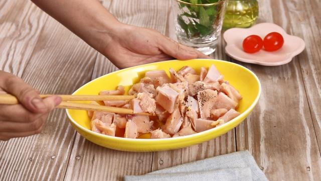 """Mách chị em cách làm sụn gà sốt trứng muối """"đa zi năng"""": Dùng làm món chính hay món ăn vặt đều đi vào lòng người hết! - Ảnh 2."""