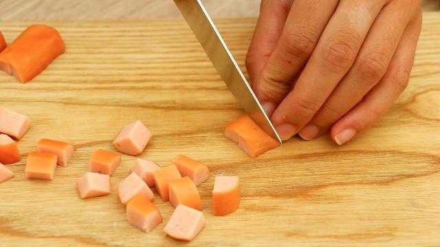 Buổi tối quyết tâm vào bếp làm món salad này, thành quả sẽ khiến chị em chỉ cần nhìn thôi cũng thấy no! - Ảnh 2.